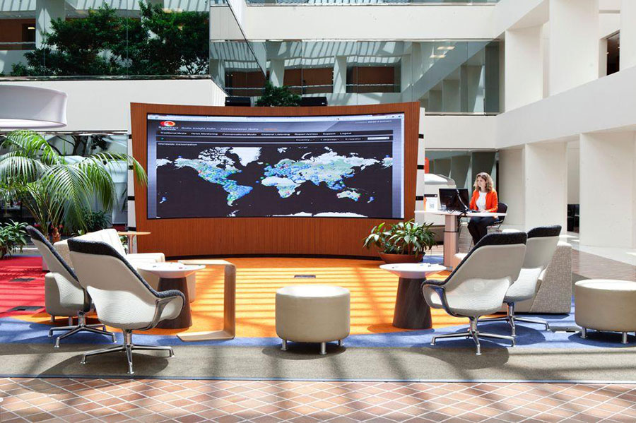 A World Without Cables: Top 3 Coolest Uses of Wireless Displays