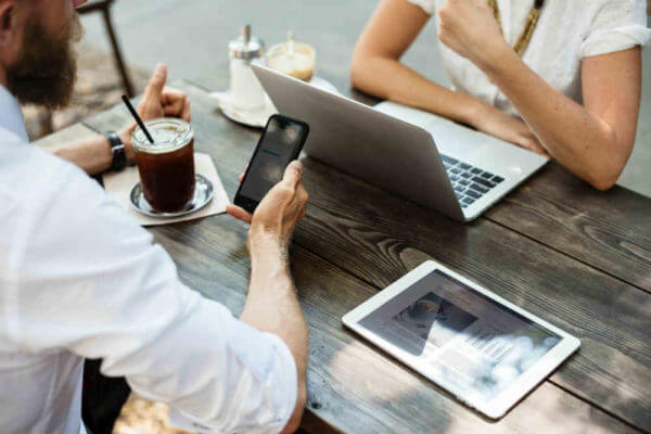 Wireless Collaboration: Putting Digital Content on Par with Audio and Video in the Meeting Room